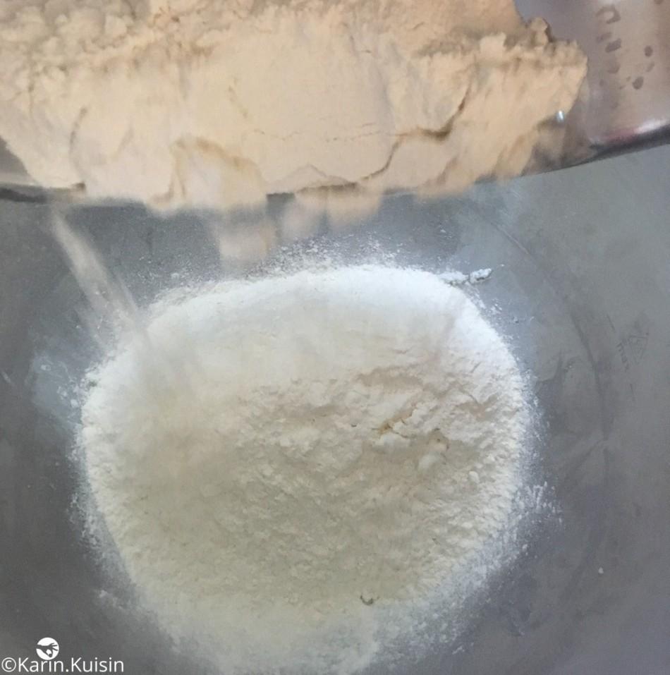 détrempe farine verser