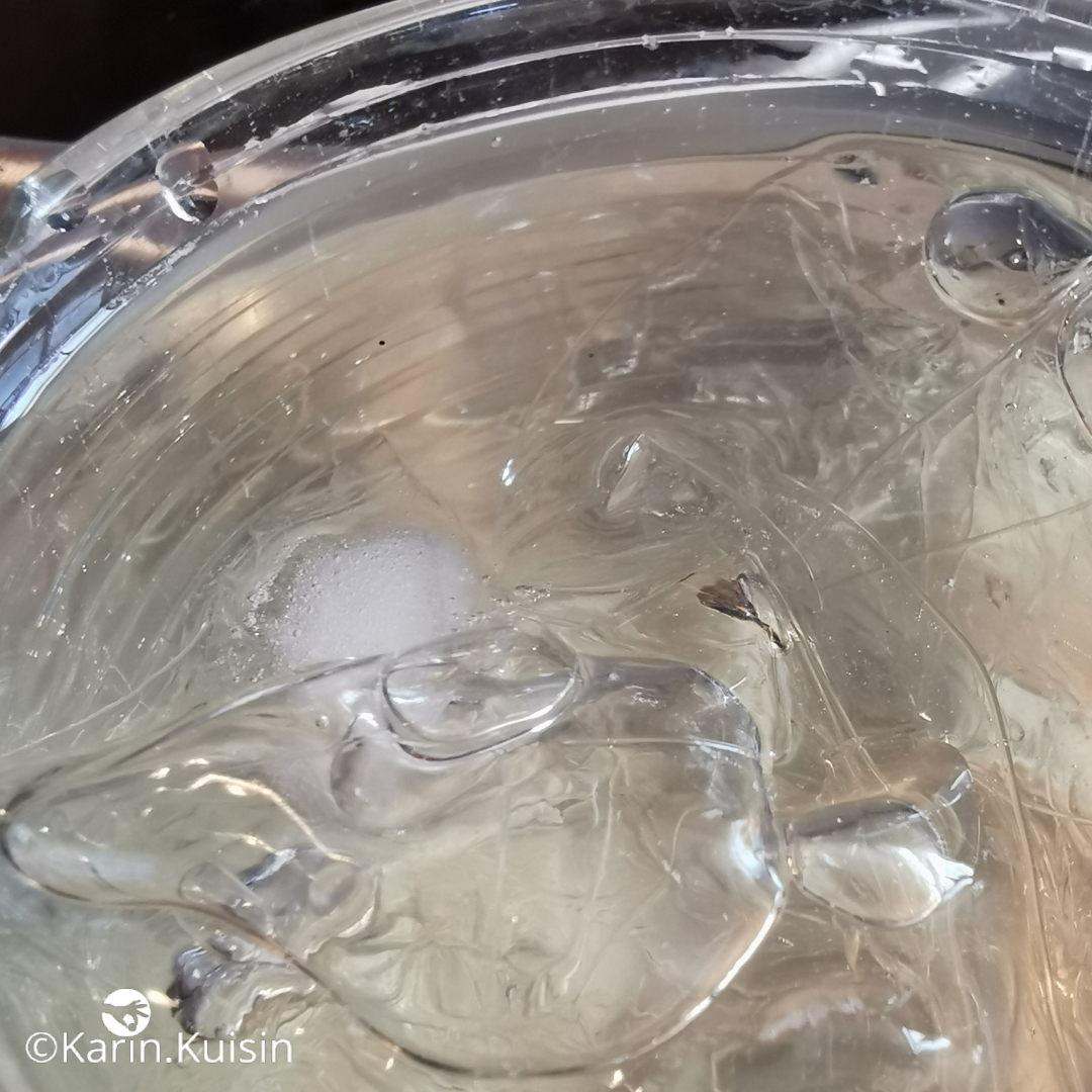 Hydratez la gélatine