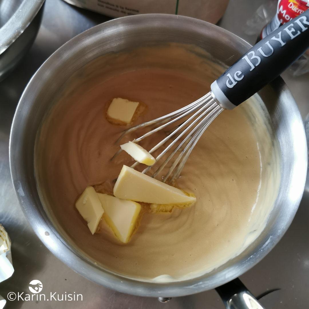 Ajoutez le beurre bien froid